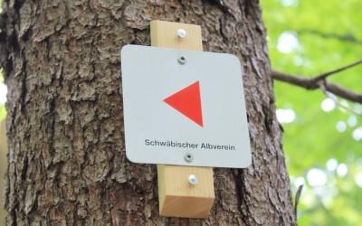 Neue Beschilderung dank des Schwäbischen Albvereins